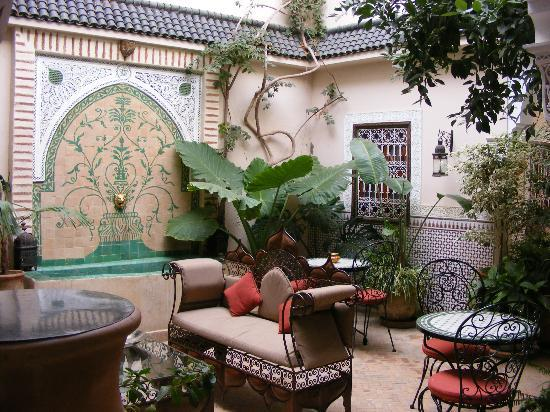 Riad Villa Harmonie: The courtyard