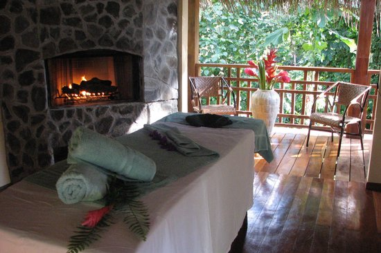 Lost Iguana Resort & Spa: massage bungalows
