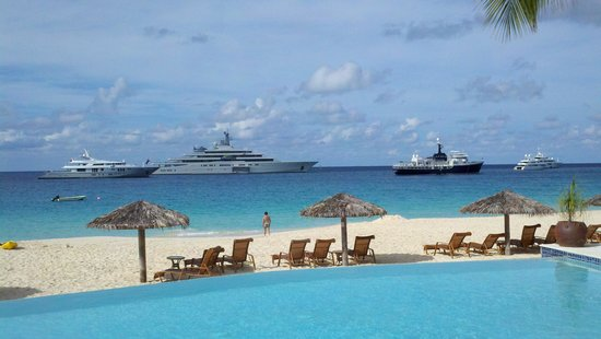 Frangipani Beach Resort: People with yachts know where to hang.  Look at all the room on the beach!