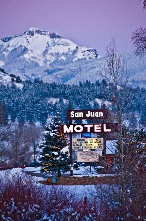 San Juan Motel: Come enjoy the snow!