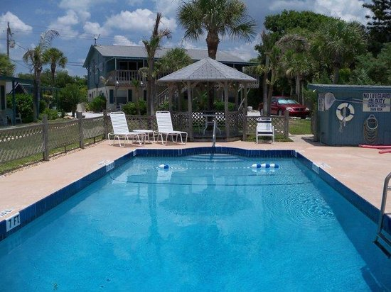 Englewood, FL: Enjoy our beachside heated pool!