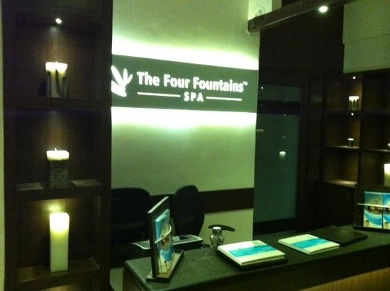 the four fountains spa wanowrie pune india address