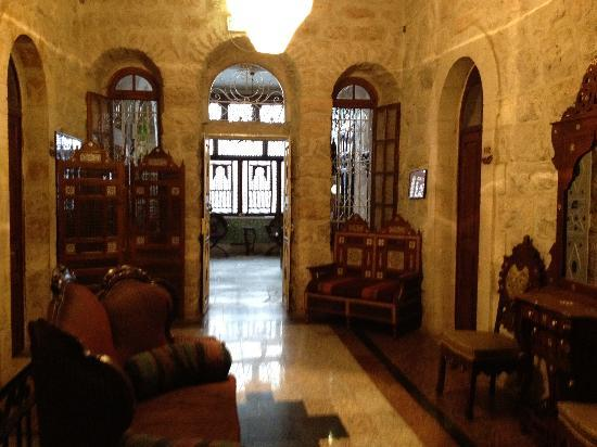 Jerusalem Hotel: lobby sitting room