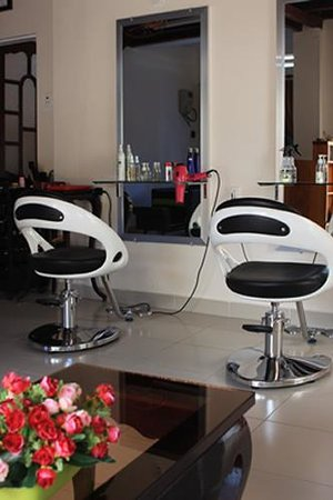 Ba le well beauty salon hoi an vietnam hours address for A creative touch beauty salon