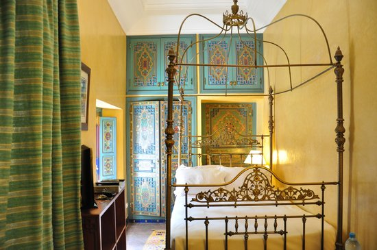Riyad Al Moussika: single room