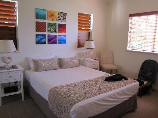 Montpellier Boutique Resort: Main bedroom with it's own ensuite bathroom
