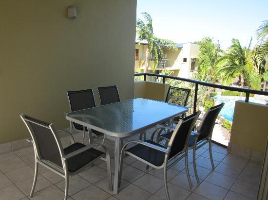 Montpellier Boutique Resort: Balcony and entrance
