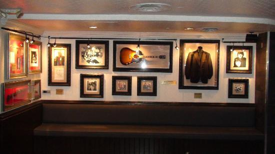 2 - picture of hard rock cafe, atlanta