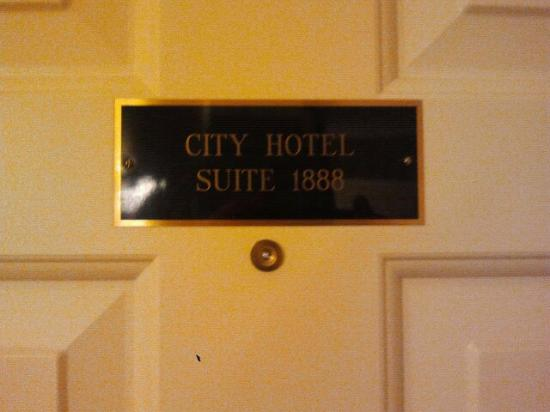 James Gettys Hotel: Door placard
