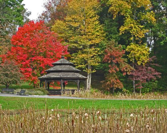 Springfield, MA: Pagoda in Forest Park