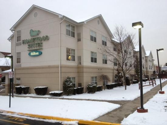 Homewood Suites Newark-Cranford: Outside of Homewood Suites at the end of January 2012.