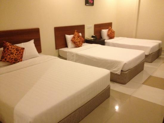 Macau Phnom Penh Hotel: Superior Triple