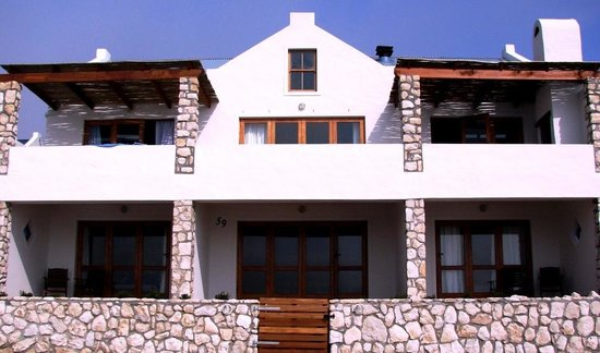 Kleinzee Oceanfront Guesthouse: Cape farmhouse style