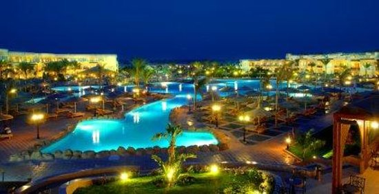 Royal Albatros Moderna Sharm el-Sheikh: Active pool by night