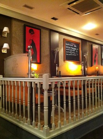 Int rieur picture of restaurant sorrento niort for Cuisine you niort