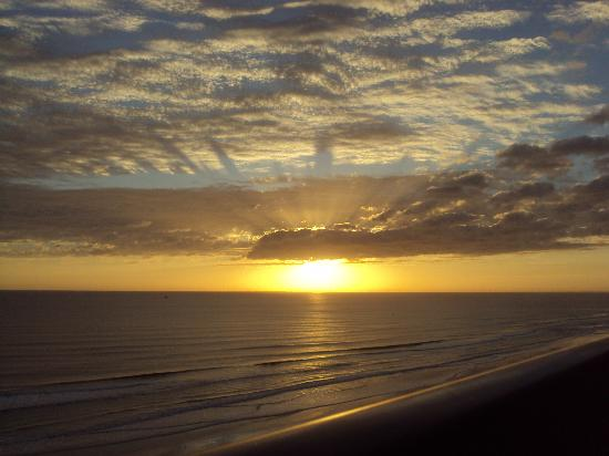 Holiday Inn Express and Suites Oceanfront: This was sunrise from our balcony.