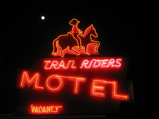 ‪Trail Riders Motel‬