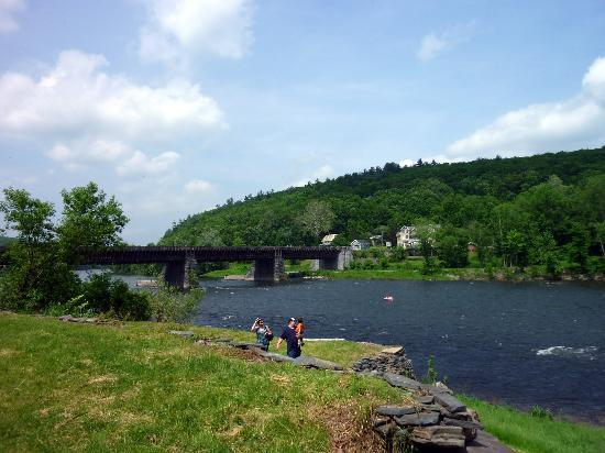 The Inn at Lackawaxen: Roebling Bridge and Delaware River (behind the Inn)