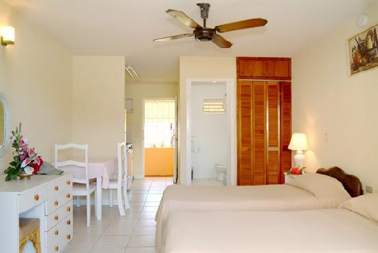Carib Blue Apartment Hotel