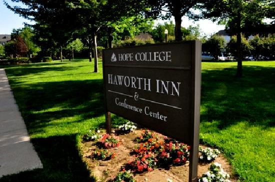 Haworth Inn & Conference Center: Look for this sign