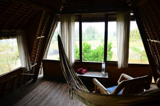h ngematte im zimmer picture of sari bamboo bungalows ubud tripadvisor. Black Bedroom Furniture Sets. Home Design Ideas