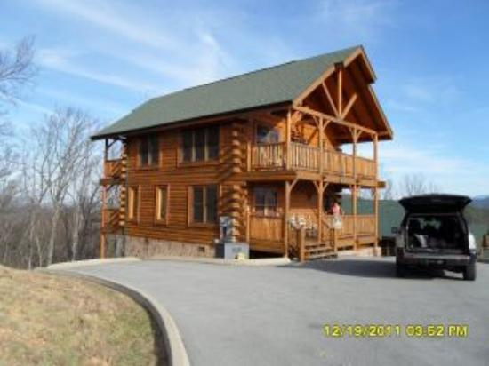 Sevierville tourism 106 things to do in sevierville tn for Eagles view cabin sevierville tn