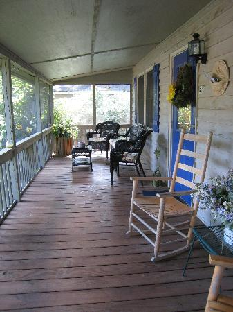 Lake Lure, Karolina Północna: the wonderful porch