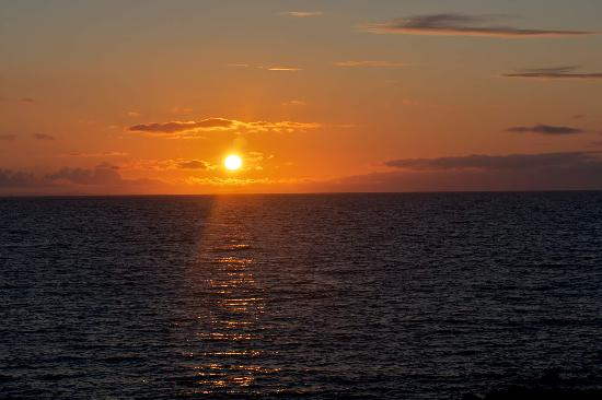 The Ugadale Hotel & Cottages: Sunset at Machrihanish