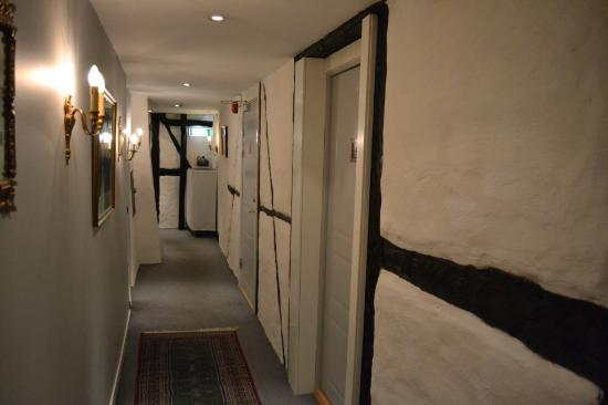 Hotel Maria: The corridor leading to the rooms