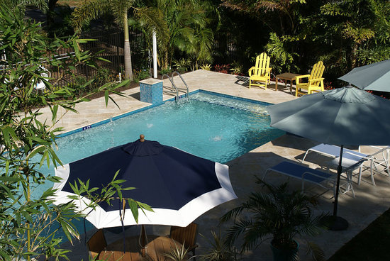 Watergarden Inn at the Bay : Your private oasis on over 1/2 acre downtown