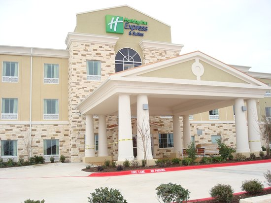 Holiday Inn Express &amp; Suites Brady: EXTERIOR