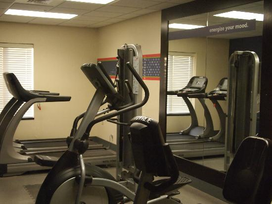 Hampton Inn Topeka: Gym