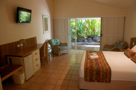 Eco Village Resort Mission Beach: Deluxe Spa Rooms