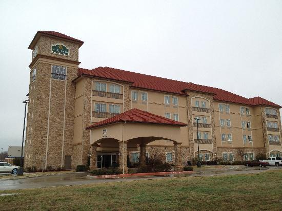 La Quinta Inn & Suites Allen at The Village: Welcome home - La Quinta Inn & Suites Allen Texas