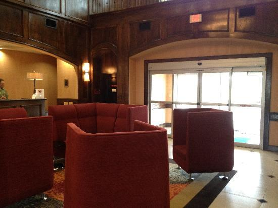 La Quinta Inn & Suites Allen at The Village: Relax in our comfortable lobby