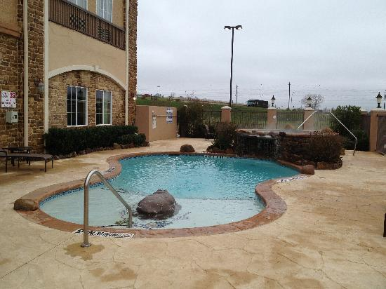 La Quinta Inn & Suites Allen at The Village: Outdoor Swimming Pool