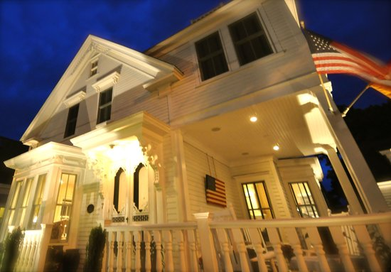 A tranquil evening at the White Porch Inn