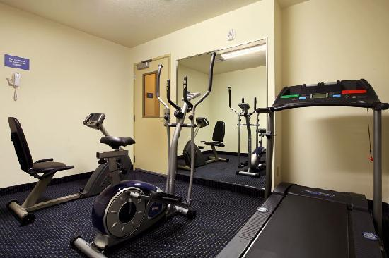 Days Inn & Suites Bayou Land: Fitness Room