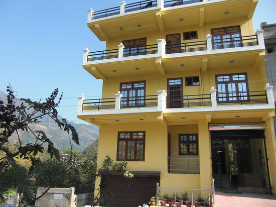 Maa Vaibhav Laxmi Yellow Guest House