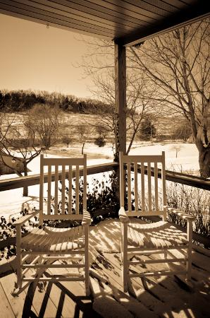 Hawk Valley Retreat & Cottages: Porch