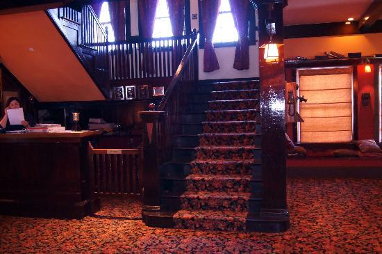 Glen Tavern Inn Lobby