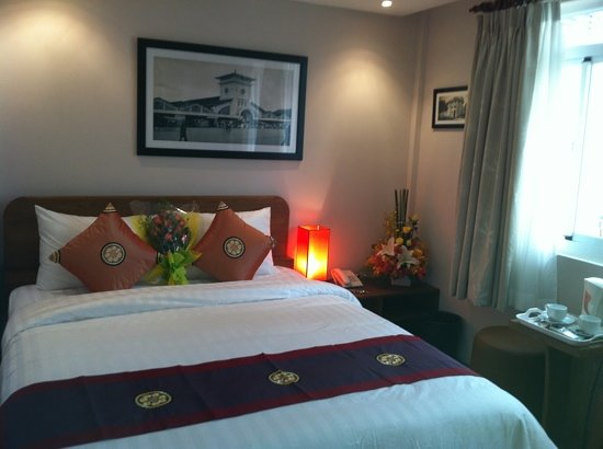 Little Saigon Boutique Hotel: hotel opened 1 feb 2012, being the first guest incl. the flower gift