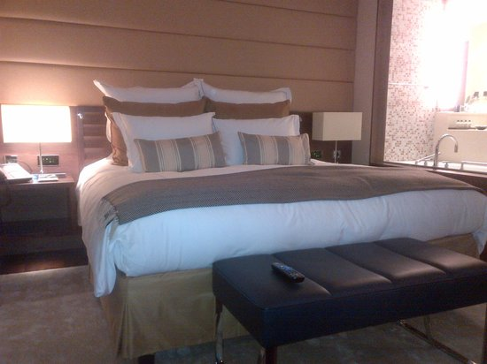 Jumeirah Frankfurt : Super Comfy Bed