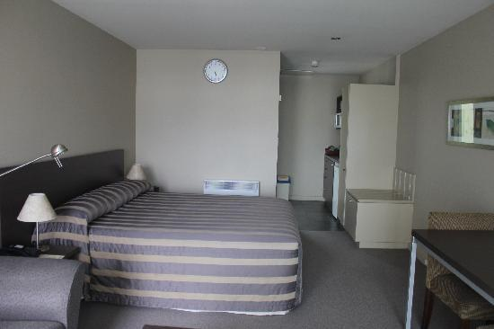 Airport Christchurch Luxury Motel & Apartments: Room