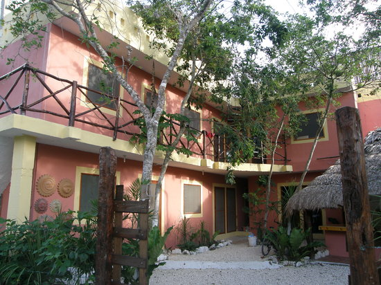 Dos Ojos Lodge