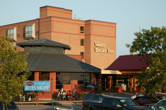 Algoma's Water Tower Inn & Suites: Welcome to the Inn!