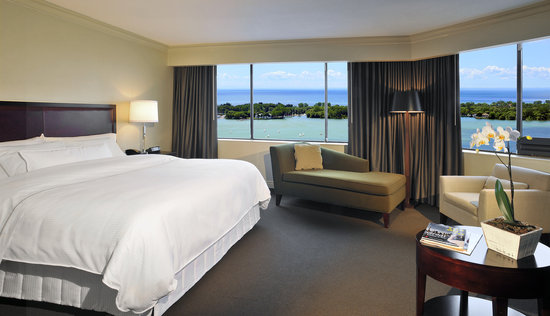 The Westin Harbour Castle: Lakeview room