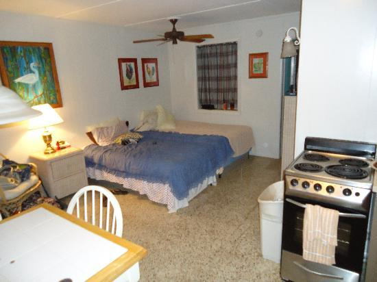Bedroom teo picture of big pine key fishing lodge big for Big pine key fishing lodge