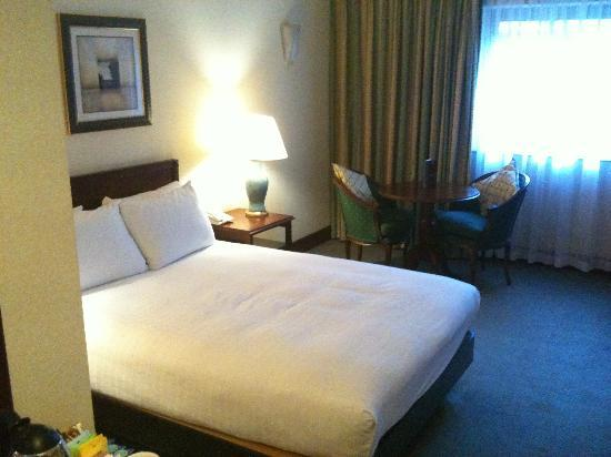 Hilton East Midlands Airport: our room