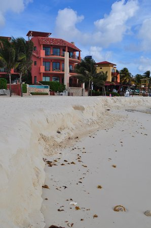 Ocean Plaza: beach erosion along the hotel strip